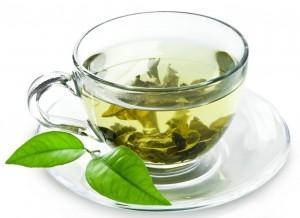 Une tasse de thé vert biologique antioxydant naturel par jour pour prévenir de l'AVC