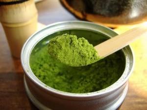 Le thé vert cultivé biologiquement est très riche en antioxydants naturels puissants
